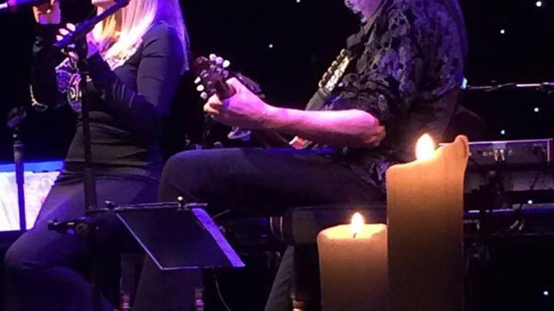 Egy hang - és egy gitár: ilyen volt a Brian May-koncert