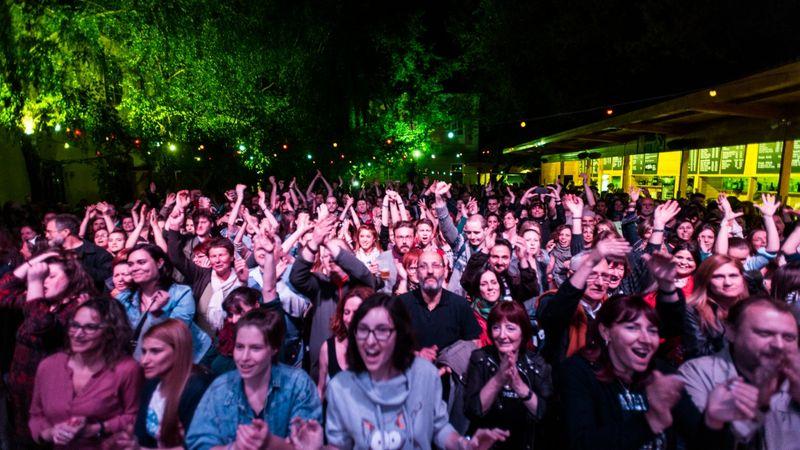 Pünkösd hava koncertekkel jő: teljes gőz a Kobuciban