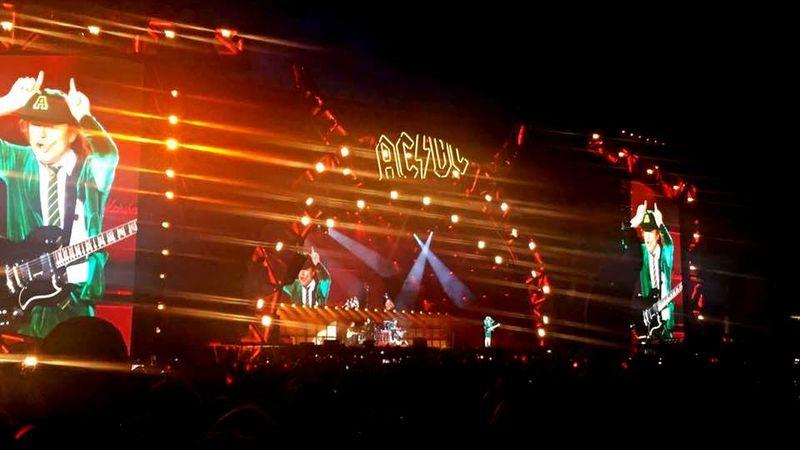 Atus jelenti: Axl és Angus rockcirkusza Bécsben