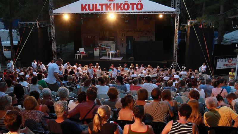 Egy hónap múlva indul a kultúrdömping a Balatonon - nyit a KULTKIKÖTŐ!
