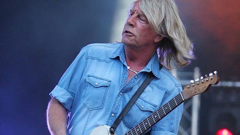 Szívrohamot kapott koncert után a Status Quo gitárosa