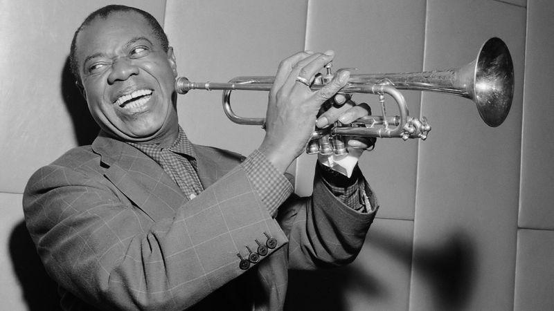 O YEAH: Ingyenes koncert Óbudán Louis Armstrong születésnapján