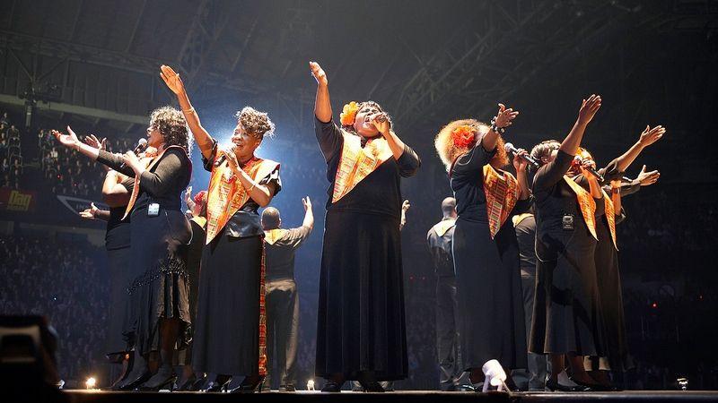 Király Lindával és Adele dalaival készül az ünnepekre a Harlem Gospel