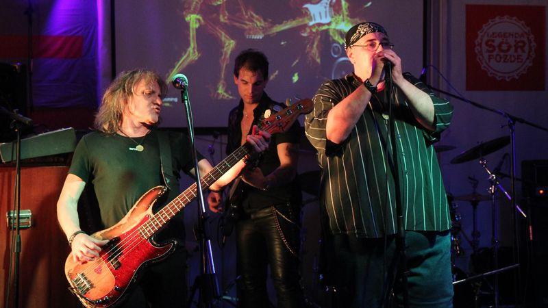 Régi idők rockzenéje 2.: Bajnok Rock Team