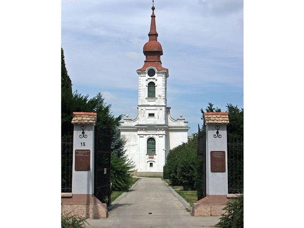 Tatai Református Templom