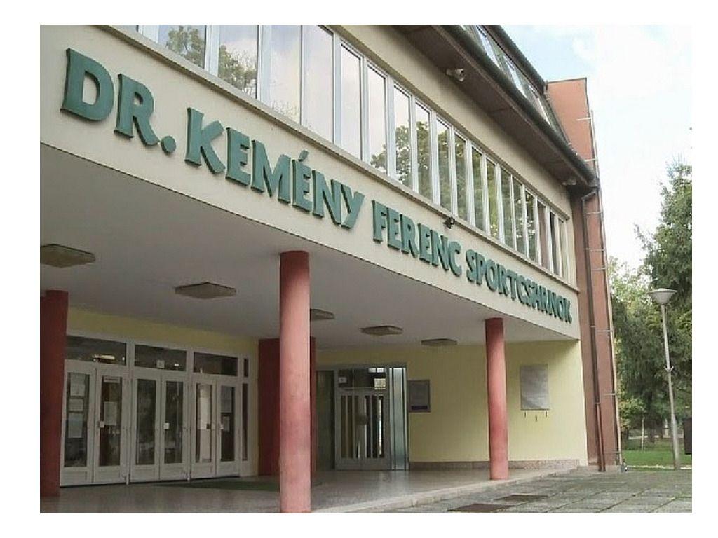 Városi Körcsarnok ( Dr. Kemény Ferenc Sportcsarnok)