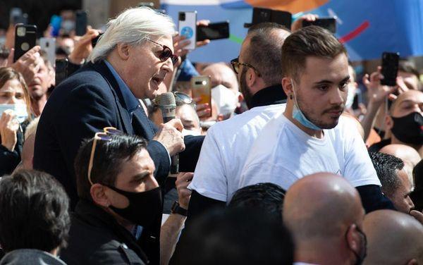 Vittorio Sgarbi querelò Marini, ma perde la causa e deve pagare 15 mila euro