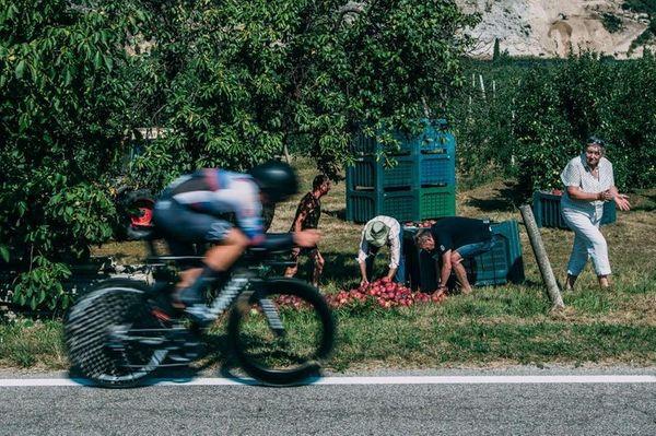 Il Muse, i vigneti, la raccolta delle mele: gli europei di ciclismo a Trento sono uno show - Foto | l'Adige.it