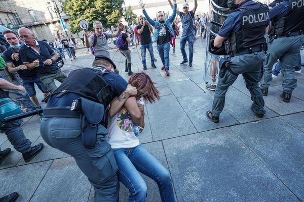 No Vax a Torino: violenze e contestazioni