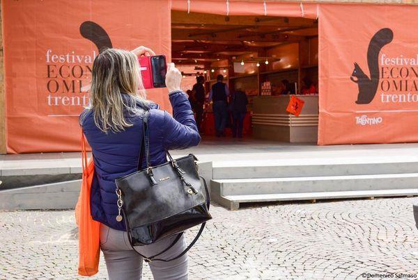 Festival dell'Economia, la città di Verbania scrive a Boeri:«Siamo pronti ad ospitarlo da noi»