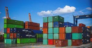 A giugno surplus bilancia commerciale area euro a 18,1 miliardi