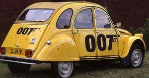 Citroen, serie speciale 2Cv 007 celebra 40mo anniversario