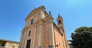 Le campane della discordia: «La chiesa è sempre chiusa ma il campanile è iperattivo»
