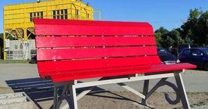 Caos sulla panchina gigante e critiche sull'installazione
