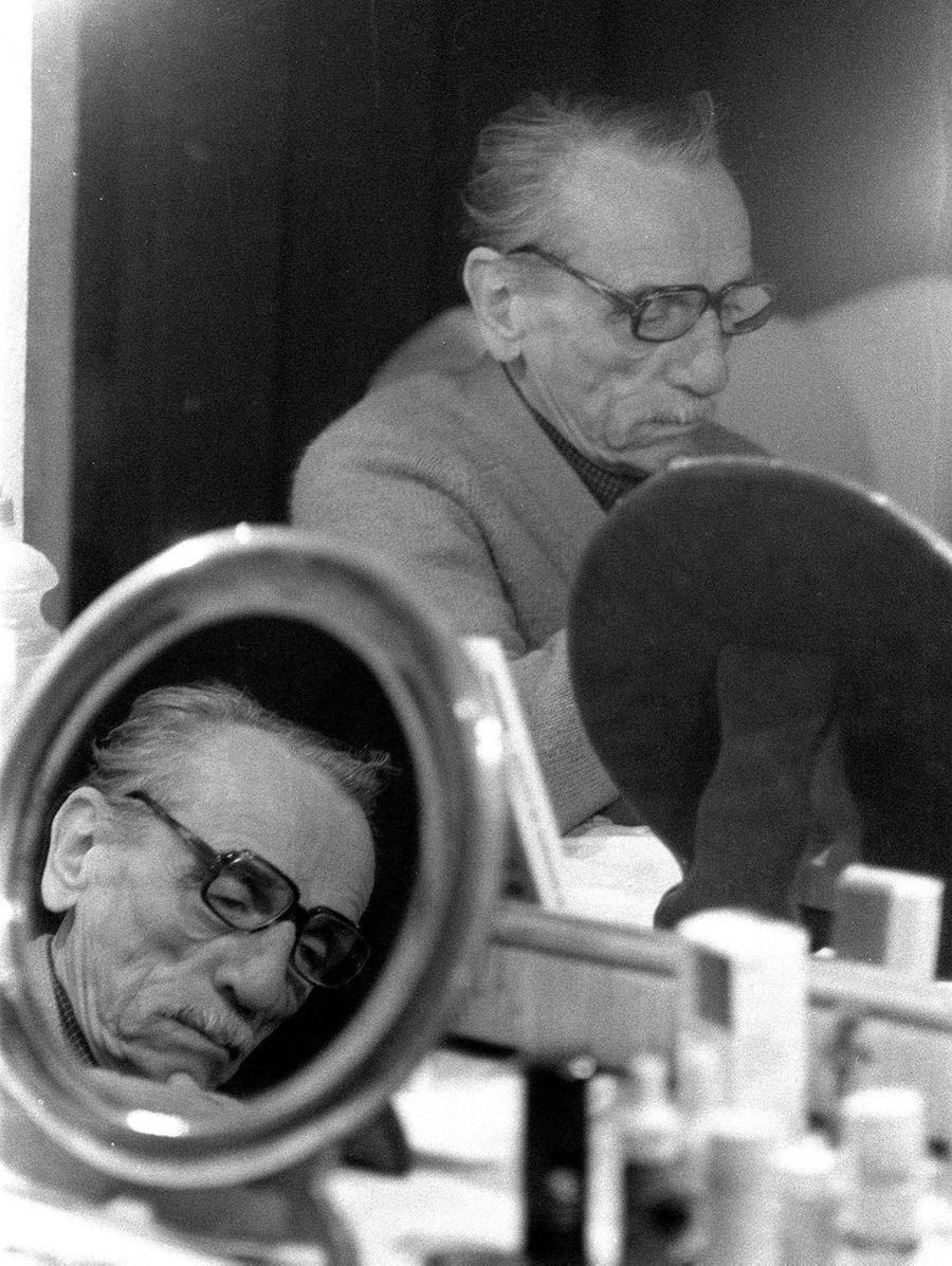 """Domani 120 anni dalla nascita Eduardo genio cattivo"""" del teatro italiano"""