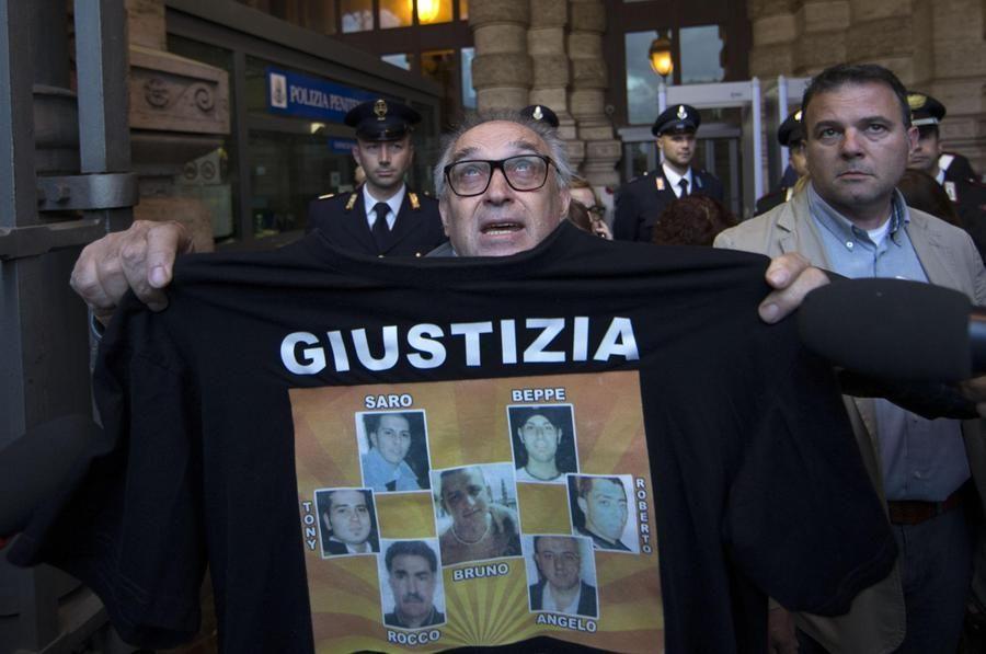 Thyssen semilibertà per due manager tedeschi condannati parenti delle vittime incateneremo Roma