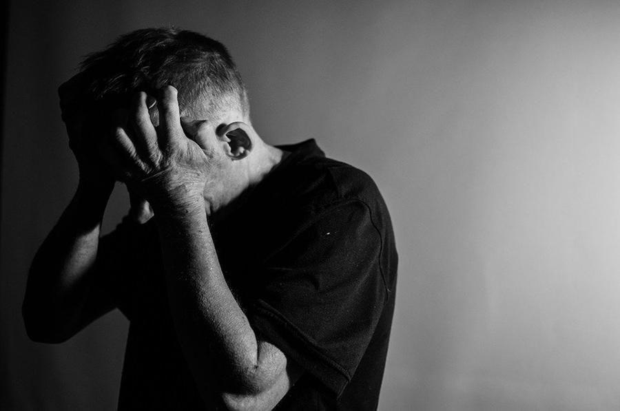 Attenzione avere solo pensieri negativi possono incentivare demenza senile