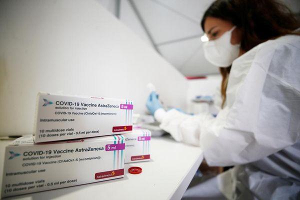 Covid, caos vaccini: cosa sta succedendo in Puglia