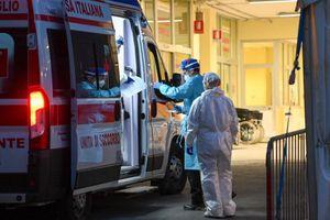 Sparatoria in un lido balneare a Taranto: dieci feriti, uno è grave