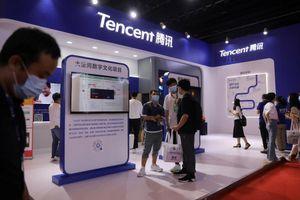 La Cina stringe sui colossi hi-tech. Investitori in fuga e la Borsa crolla