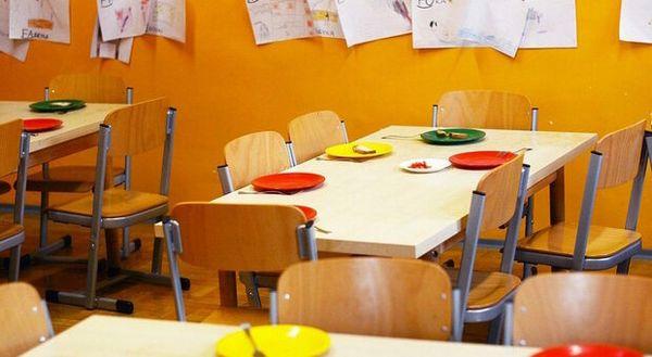 Roma, beffa per le famiglie: la retta della mensa si paga per intero anche se la scuola in zona rossa era chiusa