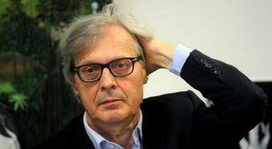 Vittorio Sgarbi, polemica sulle frasi d'amore di Benigni per la moglie senza citazioni: «Ma è plagio?» I TWEET