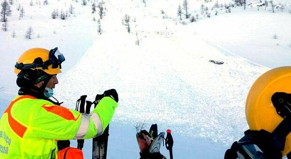 Maltempo, valanghe sul Monte Giovo e Monte Cusna. Escursionisti rimasti sotto la neve