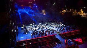 Concerti e spettacoli per la 727^ Perdonanza Celestiniana a L'Aquila. Ospite di questa sera Gigi D'Alessio, Arisa e Clementino
