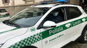 Milano, uccide e macella un ovino in cortile: 60enne denunciato adesso rischia il carcere e 150mila euro di multa