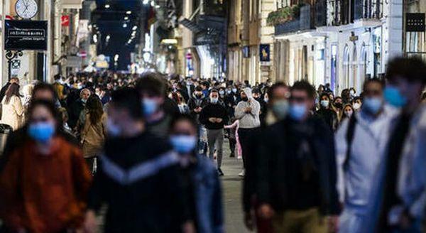 Covid, oltre i 2.300 ricoveri in terapia intensiva la soglia per il lockdown. Roma, Milano e Napoli ad alto rischio