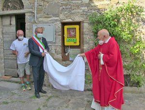 Con un defibrillatore vicino alla chiesa il circolo Anspi di Calenzano  festeggia i 25 anni - Libertà Piacenza