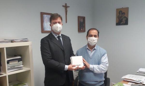 Lotta alla povertà, il Sovrano Militare Ordine di Malta dona buoni spesa alla Caritas - Libertà Piacenza