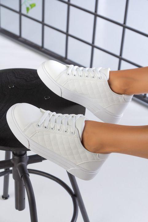 Λευκά Καπιτονέ Sneakers