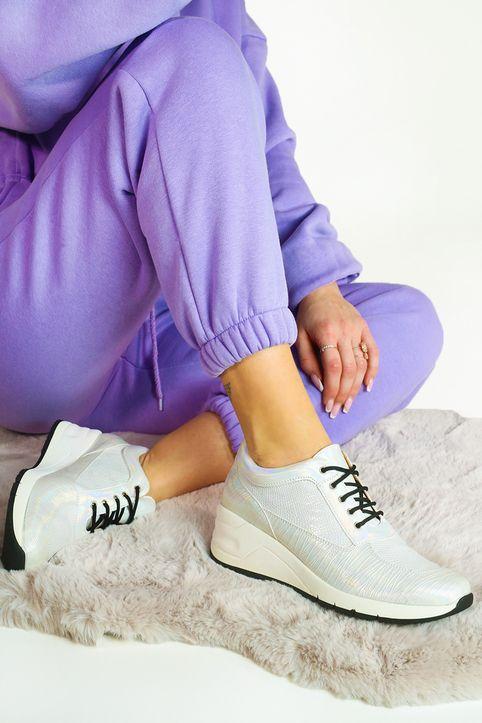 Λευκά Δίπατα Sneakers με Ανάγλυφη Υφή