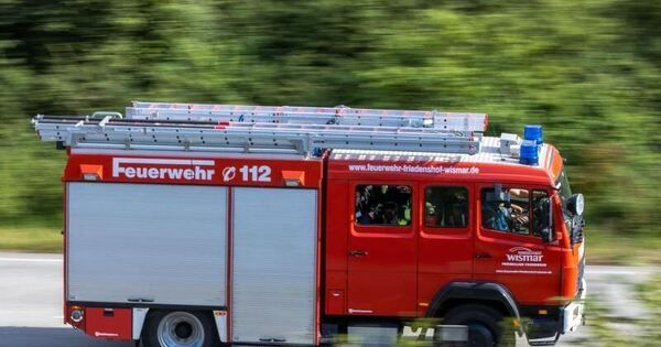 Wohnhausbrand in Gaggenau: Drei Verletzte und hoher Schaden - Baden-Württemberg - Ludwigsburger Kreiszeitung
