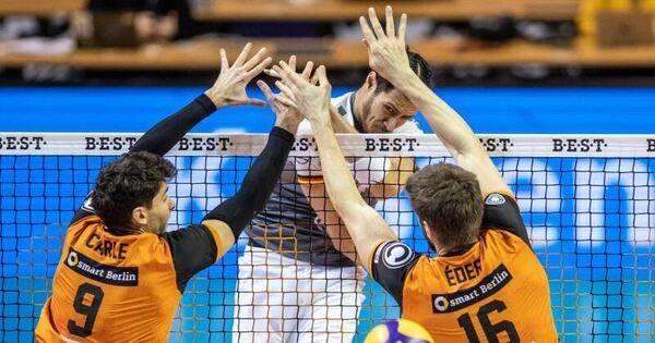 Nehemiah Mote blockt künftig für die Berlin Volleys - Baden-Württemberg - Ludwigsburger Kreiszeitung