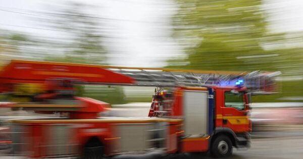 Elektroautos der Post fangen Feuer: Schwierige Löscharbeiten - Baden-Württemberg - Ludwigsburger Kreiszeitung