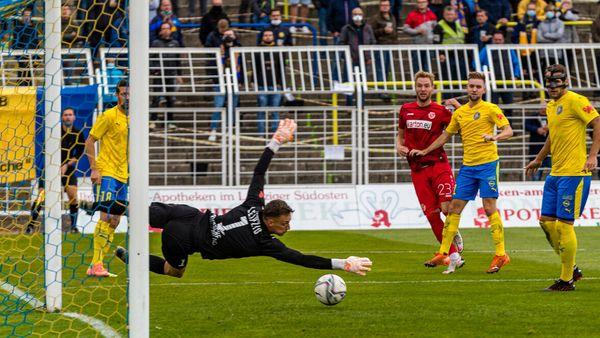 Regionalliga Nordost: Energie Cottbus auch ohne Startrekord zufrieden