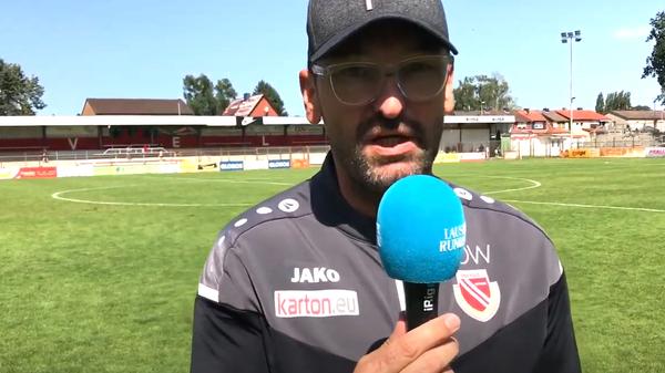 """Energie Cottbus Interview: Wollitz über Badu: """"Wünschen ihm, dass er weiter Fußball spielen kann"""""""