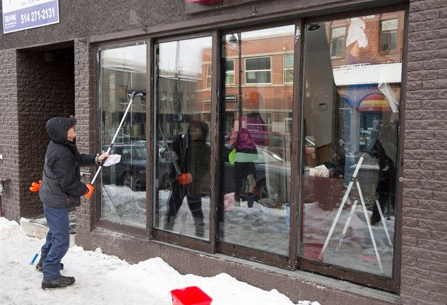 Montreal police launch raids against just-opened illegal marijuana stores - Macleans.ca