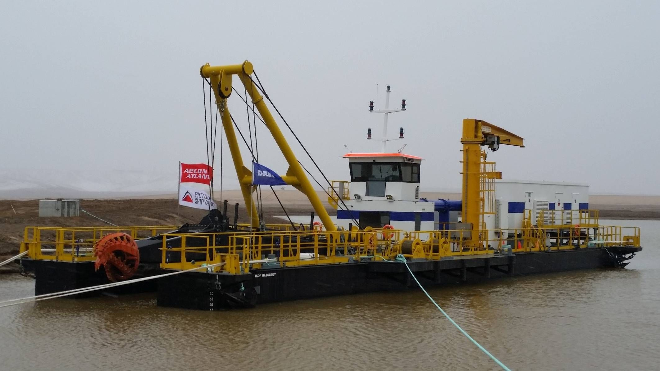 Twin Dredgers for Canadian Oil Sands