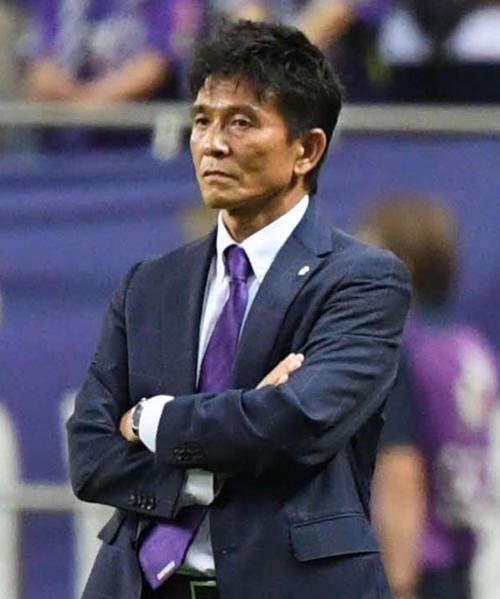城福監督の信念、「牛歩のごとく」歩み進める広島の代表サムネイル