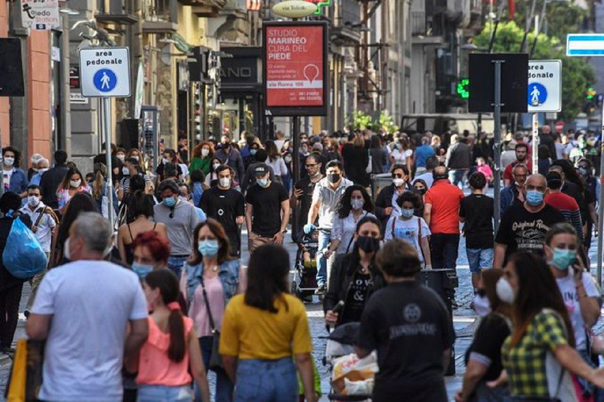 Movida Napoli aggrediti due agenti Vomero   Notizie