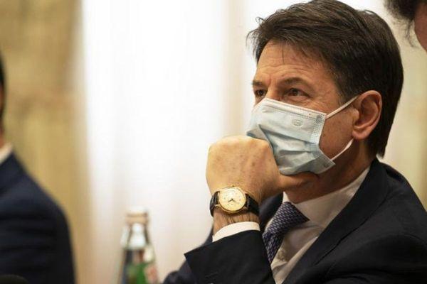 Conte: incontro con Grillo e vertici M5S prima delle consultazioni | Notizie.it