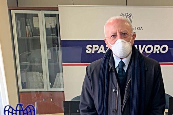 """Vaccino Covid in Campania, il presidente De Luca: """"Non procederemo per fasce di età"""""""