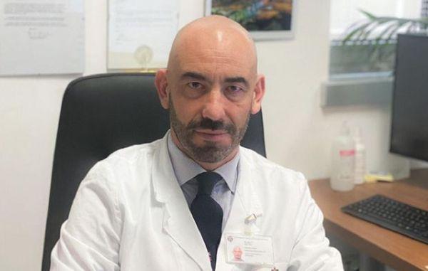"""Vaccino Covid, Bassetti: """"Dobbiamo far tornare alla normalità chi si è immunizzato"""""""