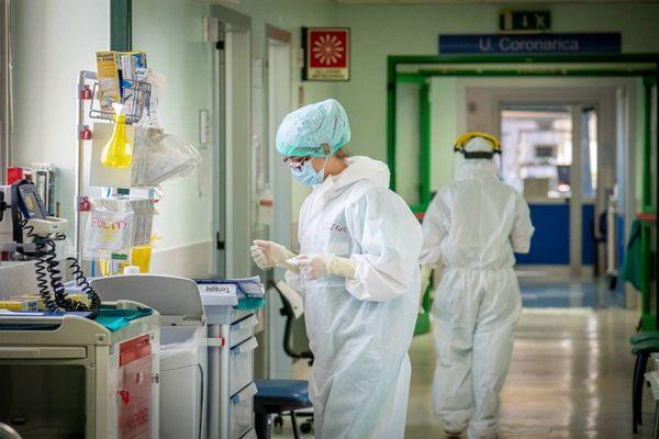 Coronavirus, bilancio del 26 settembre 2021: 3.099 casi e 44 morti
