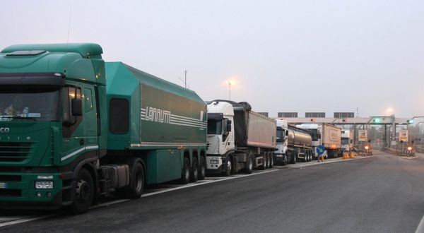 Sciopero dei camionisti contro il Green pass: allerta per una possibile protesta