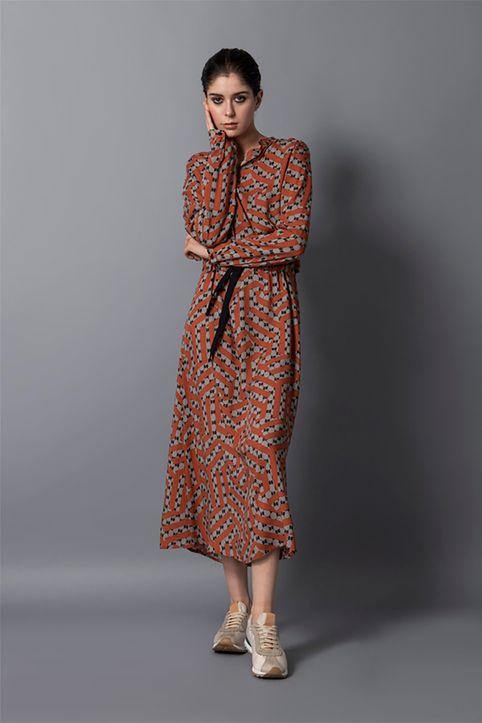 Helmi γυναικείο midi φόρεμα με all-over print και ζώνη - 48-05-048 - Κεραμιδί