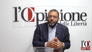 Competenza e passione, la politica di Alfredo Becchetti (video)